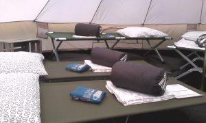 lits picots et sacs de couchage